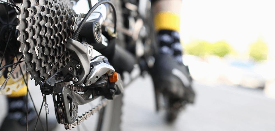 Mit dem E-Bike unterwegs: So lässt sich Verschleiß am Rad minimieren