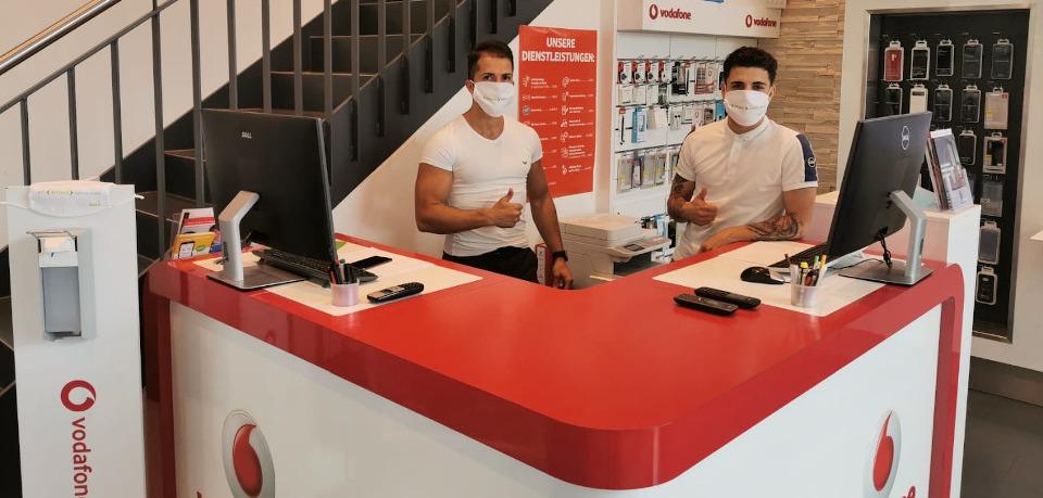 assona-Partner Greissl in Emmendingen mit ihren Masken.